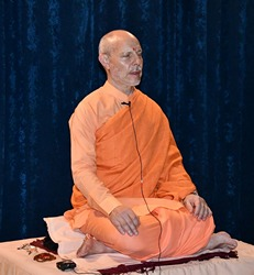 Swami Ritavan guiding a meditation at the June 2019 Retreat at SRSG